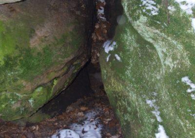 Szczelina Bodzentynska (Bodzentyn Crevice) in the Miejska Góra crag group: Devonian sandstones